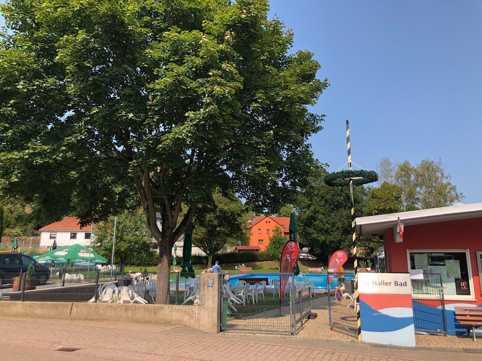 Schwimmbad-mossautal_1